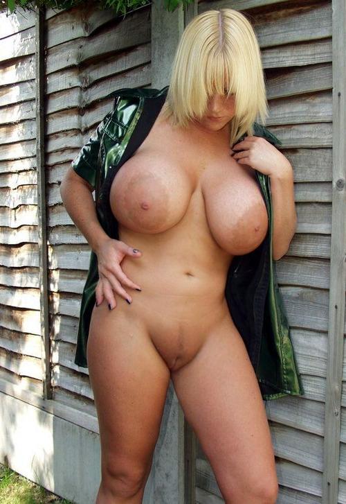 зрелые голые женщины с большими формами фото