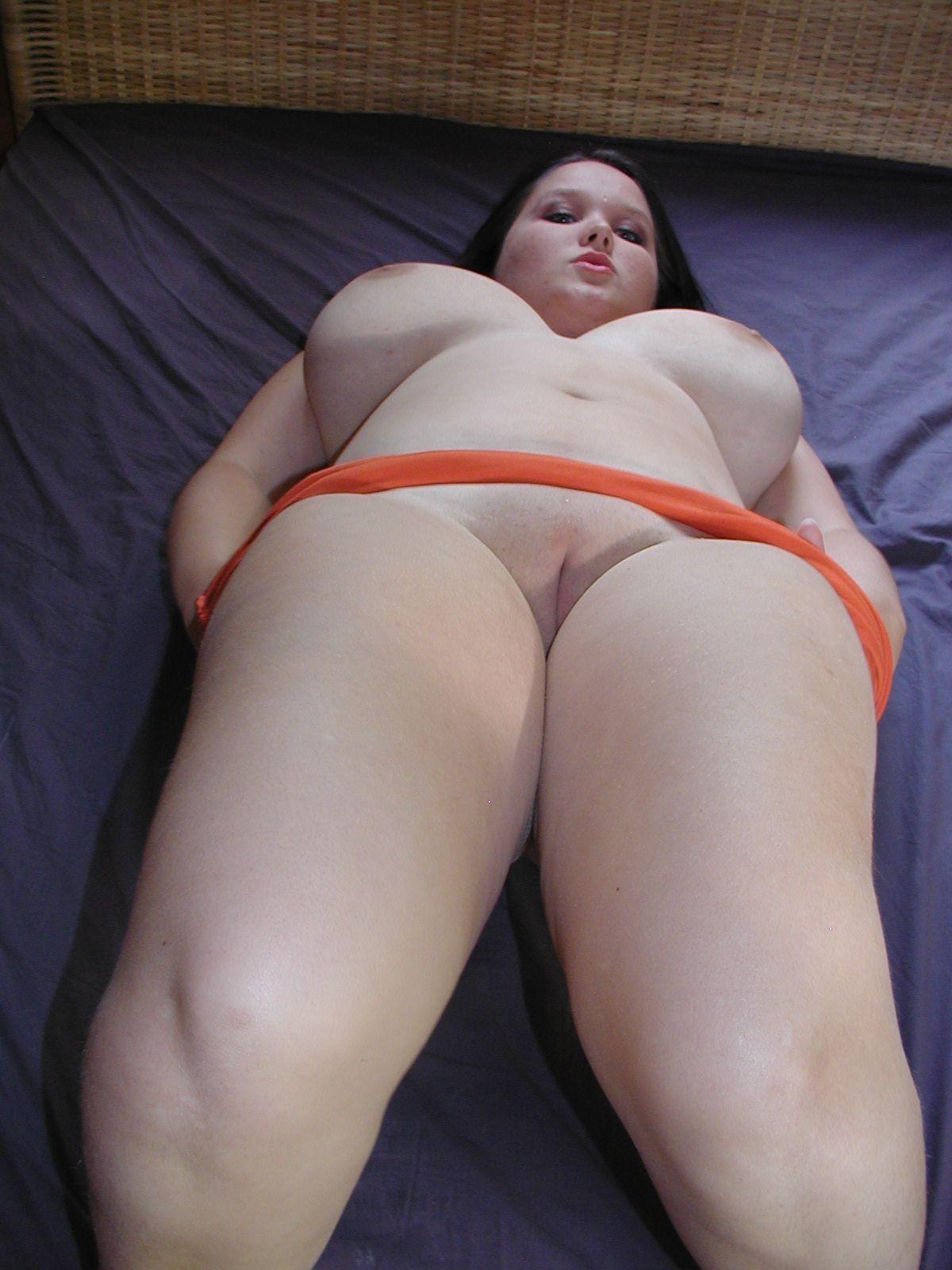 С большими сиськами и толстыми ляжками порно 18 фотография