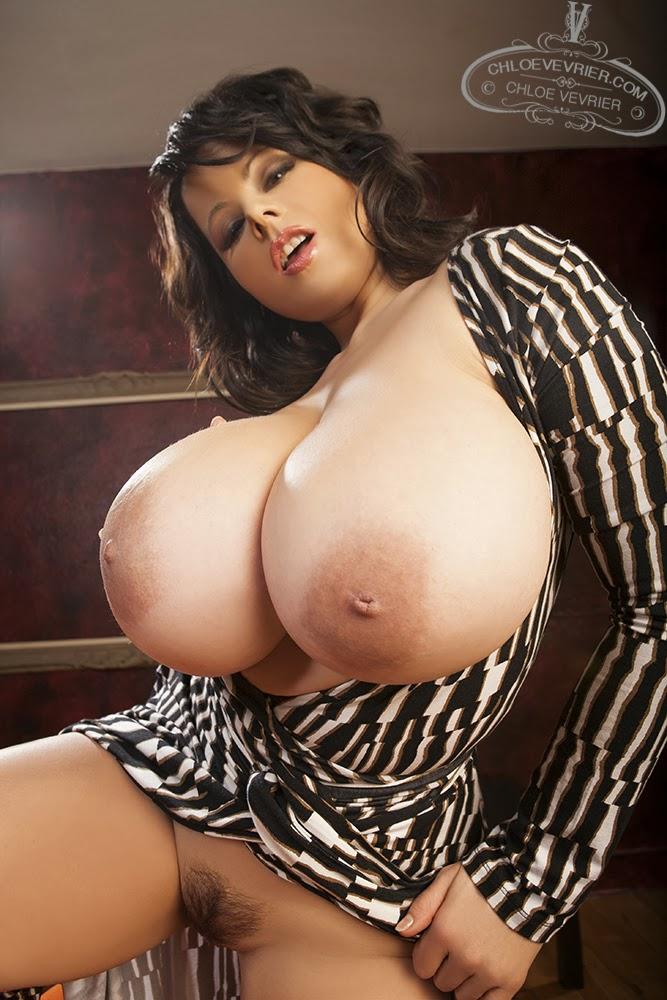 Порно фото большой груди хлои вивер офисе