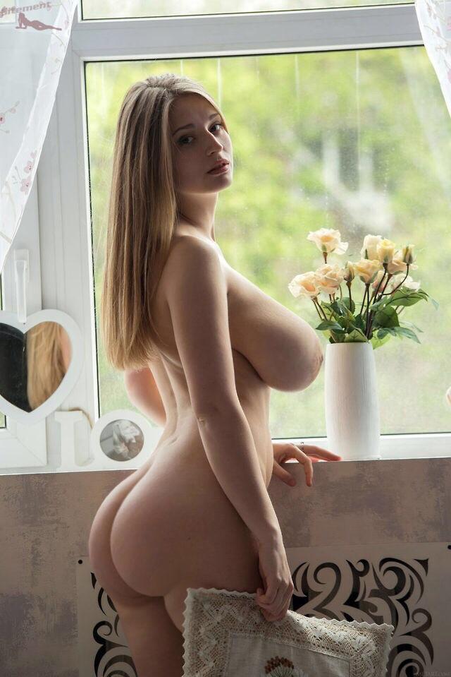 Упругая сисястая молодуха, смотреть русское порнуху на природе