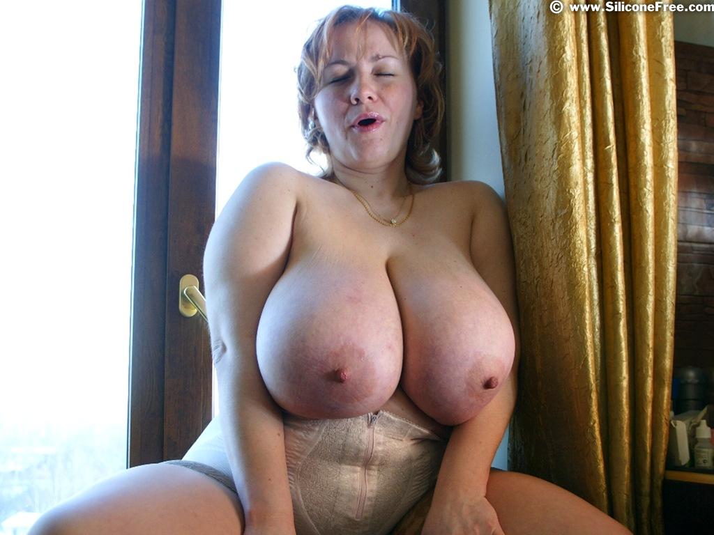 Фото груди голых баб