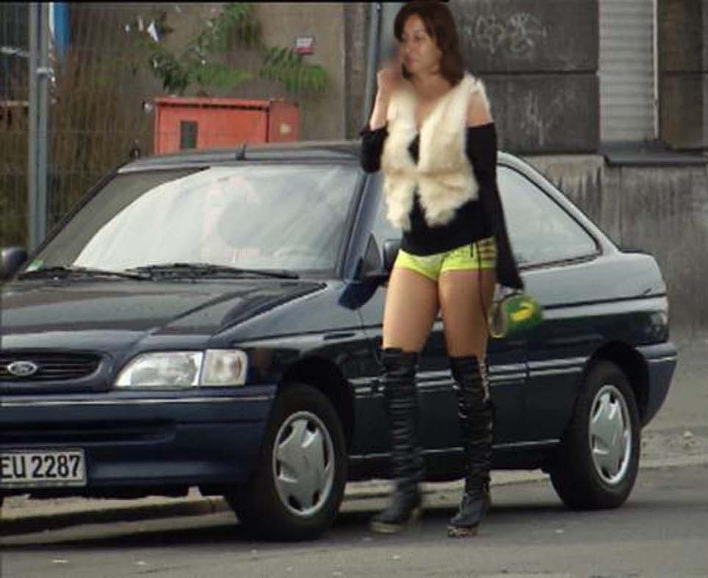 Фото шлюх на улицах, Снял на улице проститутку порно фото бесплатно на 12 фотография