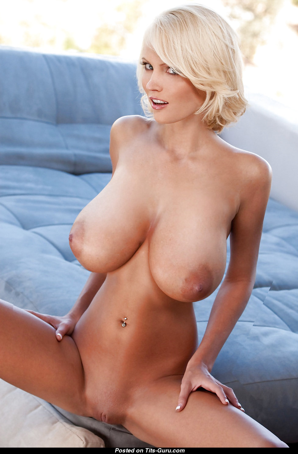 Busty short naked women — photo 3